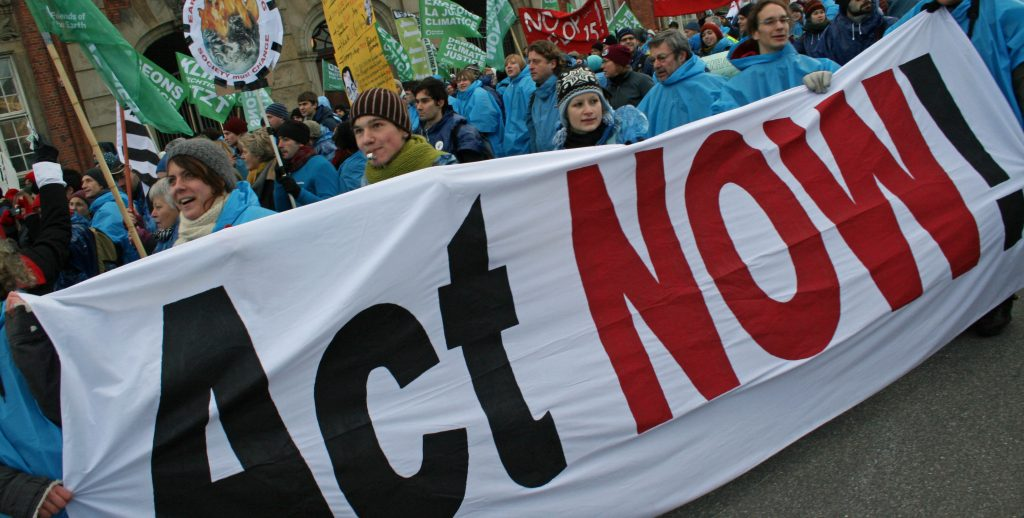 European Commission must press ahead with bold climate action