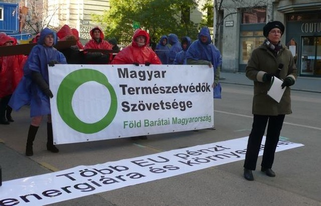 Hungarian activists call on government to live up to energy promises