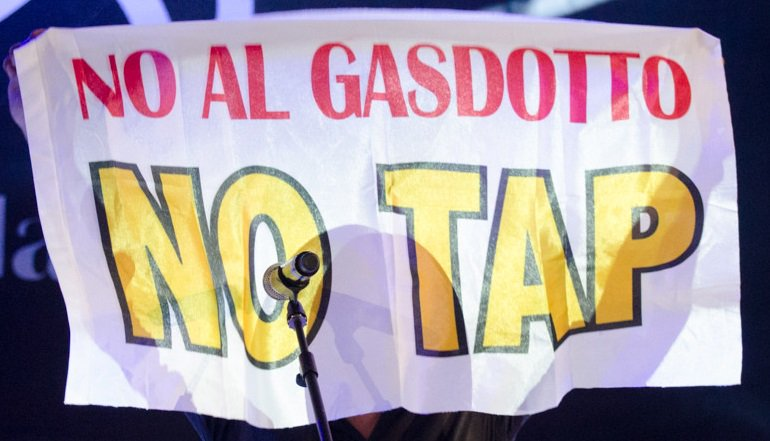 Controversial gas pipeline awarded €1.5bn