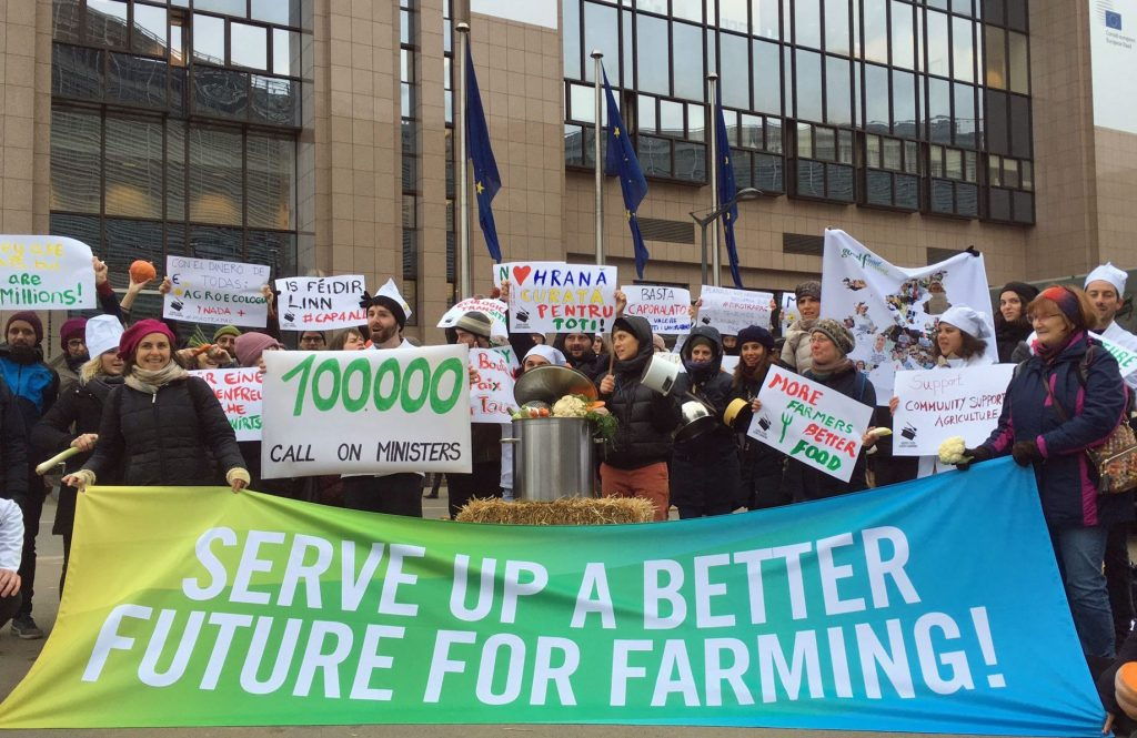 100,000 citizens call on EU farming ministers to serve up better future for agriculture